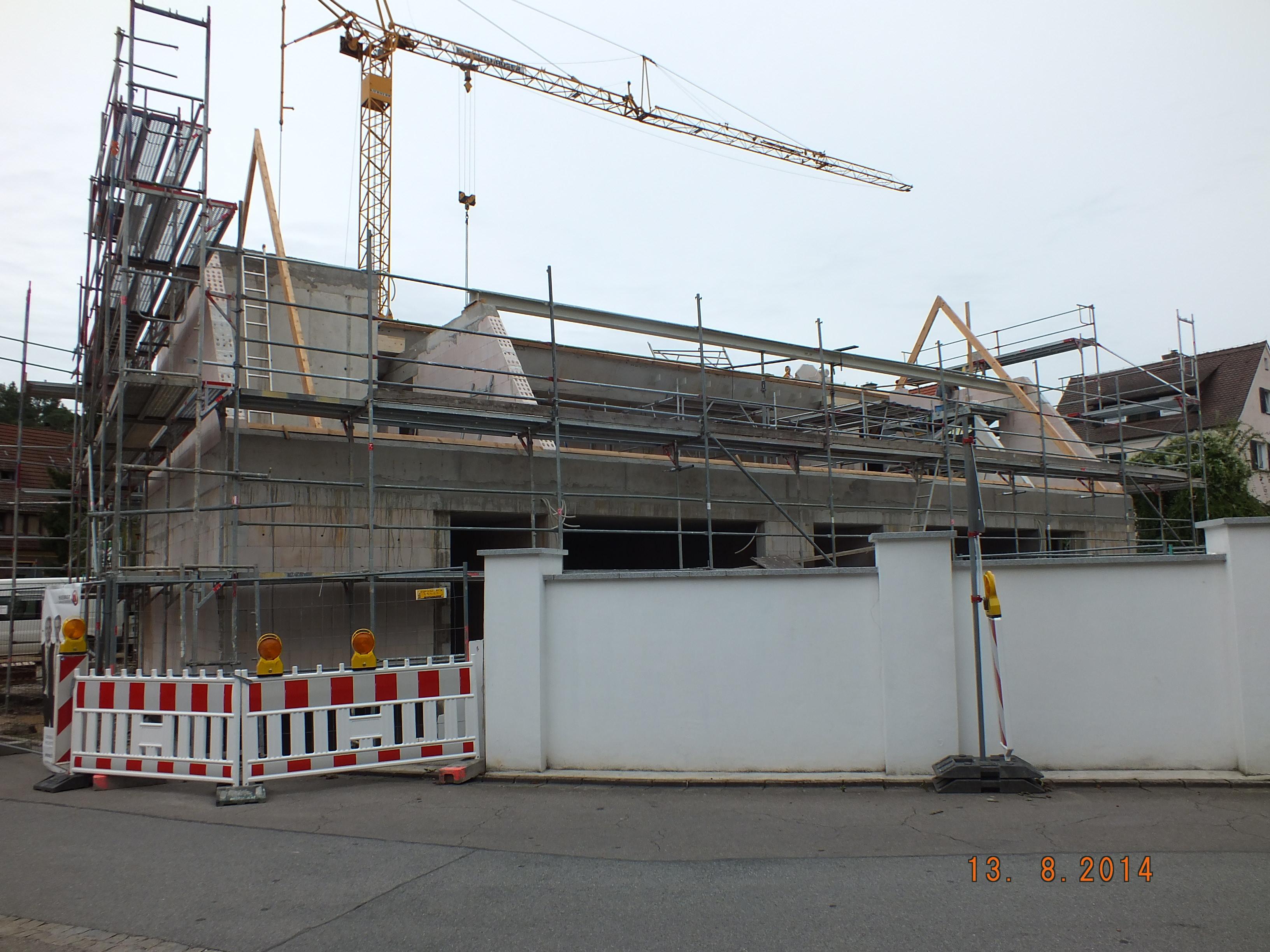 Bestandsgebäude mit ergänzter Struktur